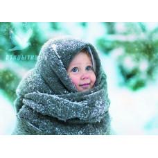 Девочка в пуховом платке
